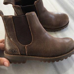 Girls Uggs booties!